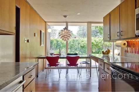 Eichler Kitchen stunning view to Garden_Courtesy Jeni Pfeiffer